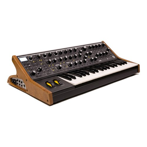 Moog Subsequent 37 analog Synthesizer lebanon