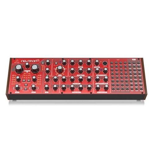 Behringer Neutron analog Synthesizer lebanon