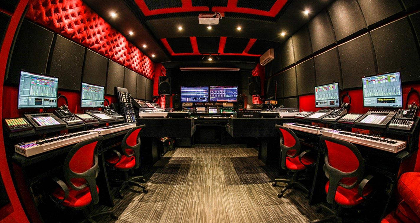 Per-vurt DJ & Music Production School