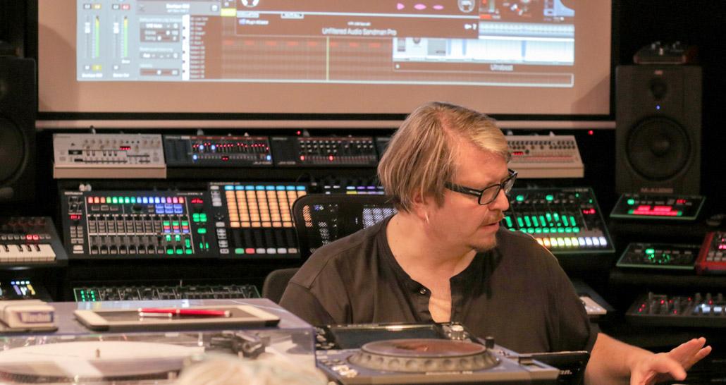 Robert Babicz at Per-vurt DJ & Music Production School and Studio, Beirut Lebanon