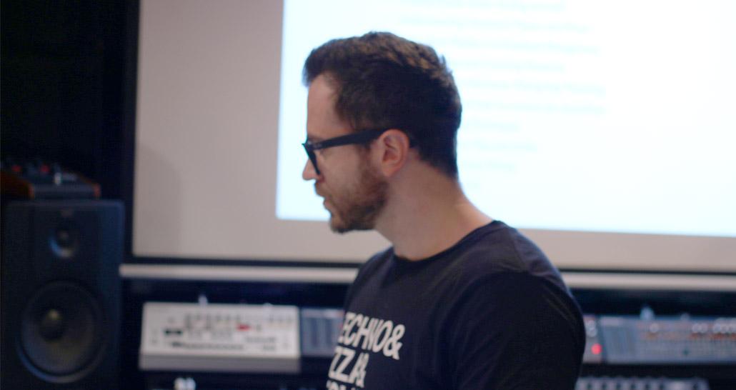 Coyu at Per-vurt DJ & Music Production School and Studio, Beirut Lebanon